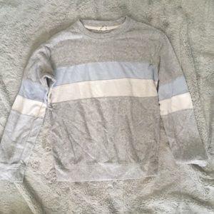 🤠3/30 garage sweater
